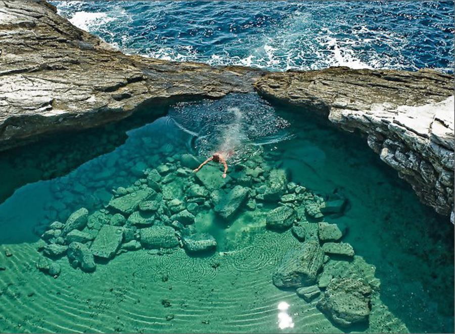 giola-piscine-abeachaday